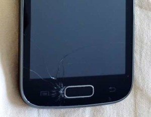 Razbityiy-e`kran-smartfona